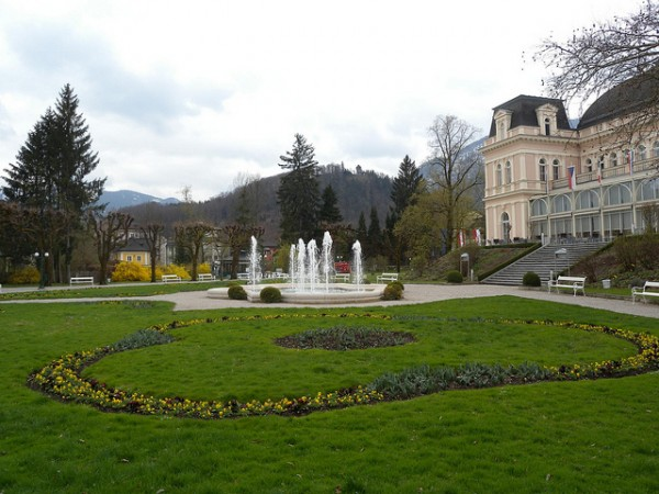 Kurpark in Bad Ischl with Kongress&TheaterHaus
